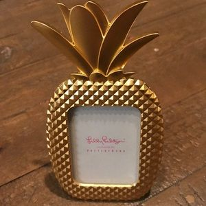 Lilly Pulitzer small pineapple 🍍 picture frame!
